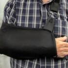 Hoe wordt schouder slijmbeursontsteking behandeld?