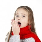 Kriebelhoest verhelpen: droge hoest baby, kind, volwassene