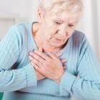 Pijn op de borst: rechts, links, na eten en bij inademen