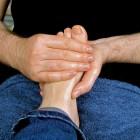 Pijn op de wreef: symptomen en oorzaak van pijnlijke wreef