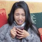 Brok in de keel gevoel: oorzaken, symptomen en behandeling