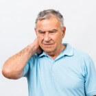 Pijn in nek, nekpijn: symptomen en mogelijke oorzaken