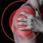 Stijve schouder: oorzaken en symptomen van stijve schouders