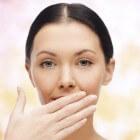 Stinkende adem: slechte adem verhelpen en oorzaak halitose
