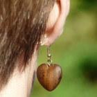 Wat te doen tegen een ontstoken oorpiercing?