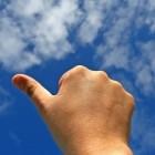 Pijnlijke duim: oorzaken en symptomen van pijn in de duim
