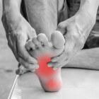 Pijn aan de voet: symptomen, oorzaak en behandeling voetpijn