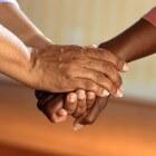 Trillende handen: oorzaken tremor aan de hand of handtremor