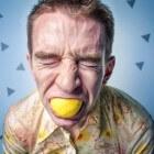 Zure smaak in de mond: oorzaken van een vieze zure mondsmaak