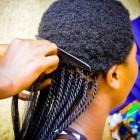 Tractie-alopecia: Vorm van haaruitval door trekken aan haren