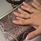 Nagels: Zwarte lijnen of strepen op vinger- of teennagels