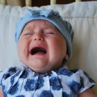 Kolieken (krampen) bij baby: Episodes van huilbuien