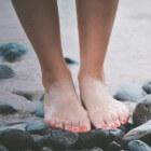 Gezwollen voeten of benen na een lange reis? Tips