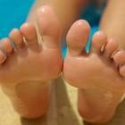 Pijnlijke voeten, ontstoken tenen, pijn, irritatie, zwelling