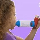 Astma en astma-aanval: symptomen, oorzaak en behandeling