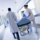 Alvleesklierontsteking (pancreatitis): symptomen behandeling