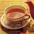 Thee of warm water drinken is gezond voor lichaam en geest