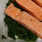 Is spinazie ongezond in combinatie met vis, zoals zalm?