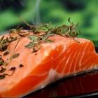 Vitamine D, calcium, zonlicht en vis voor heel sterke botten