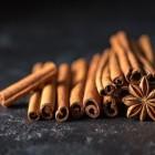 Kaneel: Soorten en voordelen voor gezondheid van de specerij