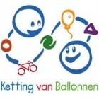 Fietsen voor een Ketting van Ballonnen