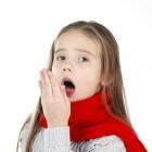 Pseudokroep: besmettelijk, aanval, symptomen en behandeling