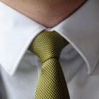 De stropdas: symbool van gezag of onderwerping?