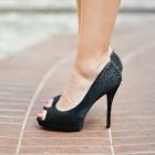 Hoe moet ik op hoge hakken lopen? Leer stappen als een diva!