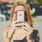 Verslaafd aan je smartphone heet nomofonie