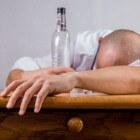 Je naaste is alcoholverslaafd – hoe ga je daarmee om?
