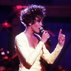 De verslaving van zangeres Whitney Houston