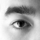 Droge ogen syndroom: Symptomen & behandelingen van oogziekte