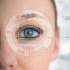 Tranend oog door een traanbuisvernauwing of -verstopping