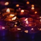 Kaarsen en kaarslicht brengen warmte, sfeer en rust