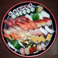Voedselvergiftiging door sushi / Bron: Chidorian from Japan, Wikimedia Commons (CC BY-SA-2.0)