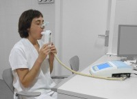 Spirometer / Bron: Jmarchn, Wikimedia Commons (CC BY-SA-3.0)
